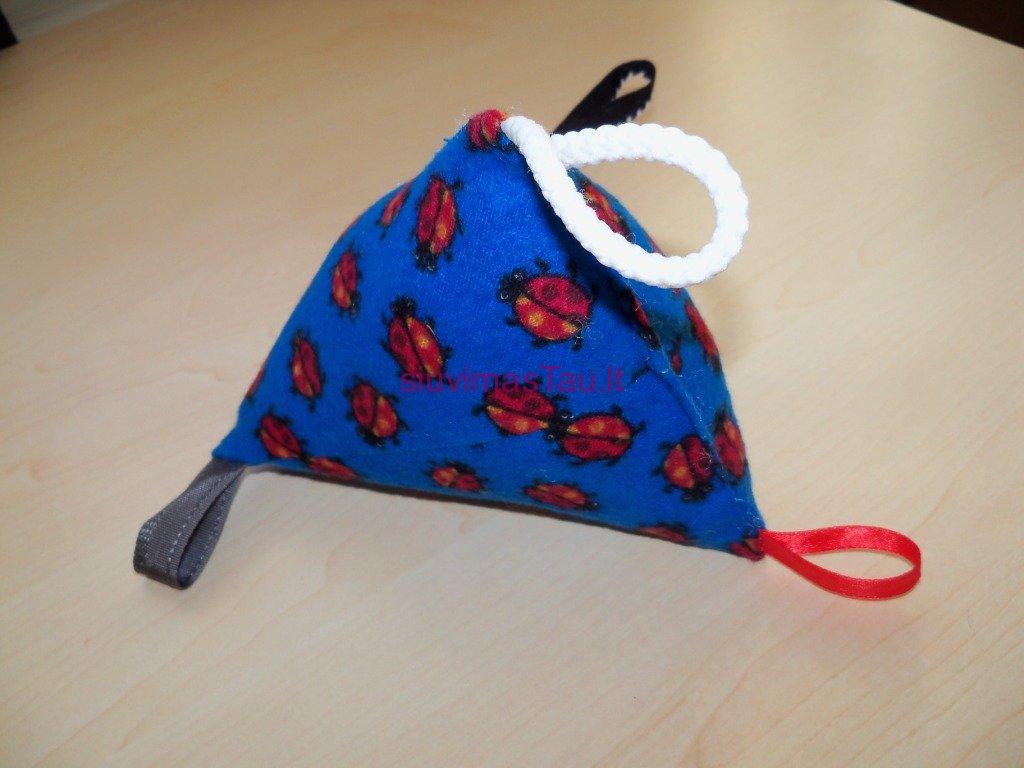 lavinamasis-trikampis-kudikiams-3