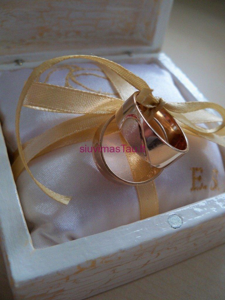 Vardine vestuviniu ziedu pagalvele (3)